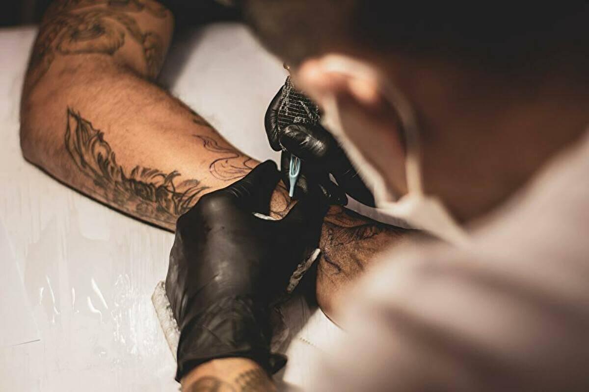 教員のタトゥーについて:現場情報
