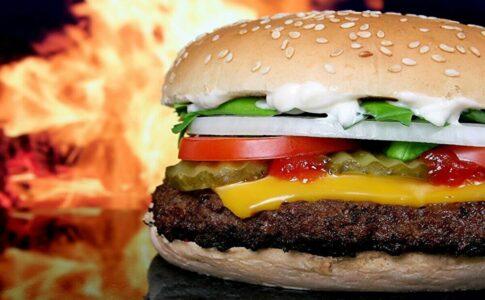 「できるだけ食事制限なし/筋トレのみ」で痩せる3つ方法【ラクな食事制限】