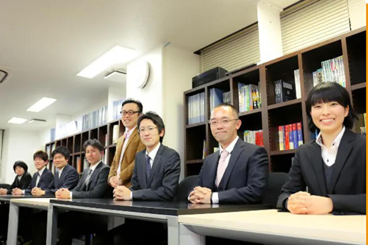 講師が連携するチーム体制坪田塾