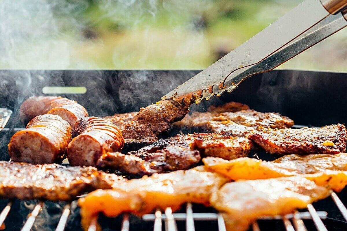 オートミールダイエットに不向きな人の特徴③脂っこいお肉が好き